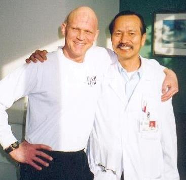 Image of Alan Hobson with Dr. Poon